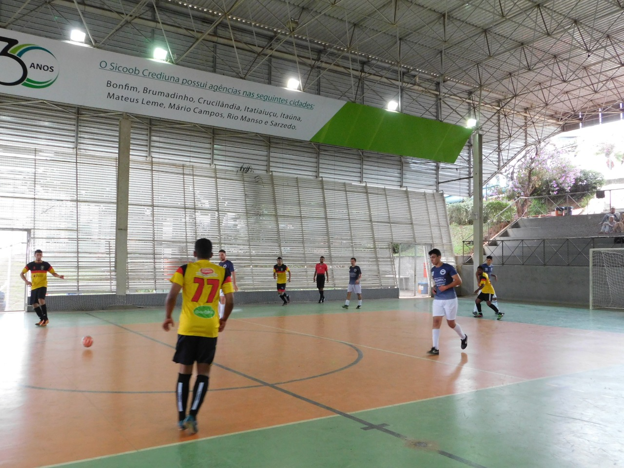 7cc7f5f3df ... Click to enlarge image tropical-futsal-5.jpeg ...